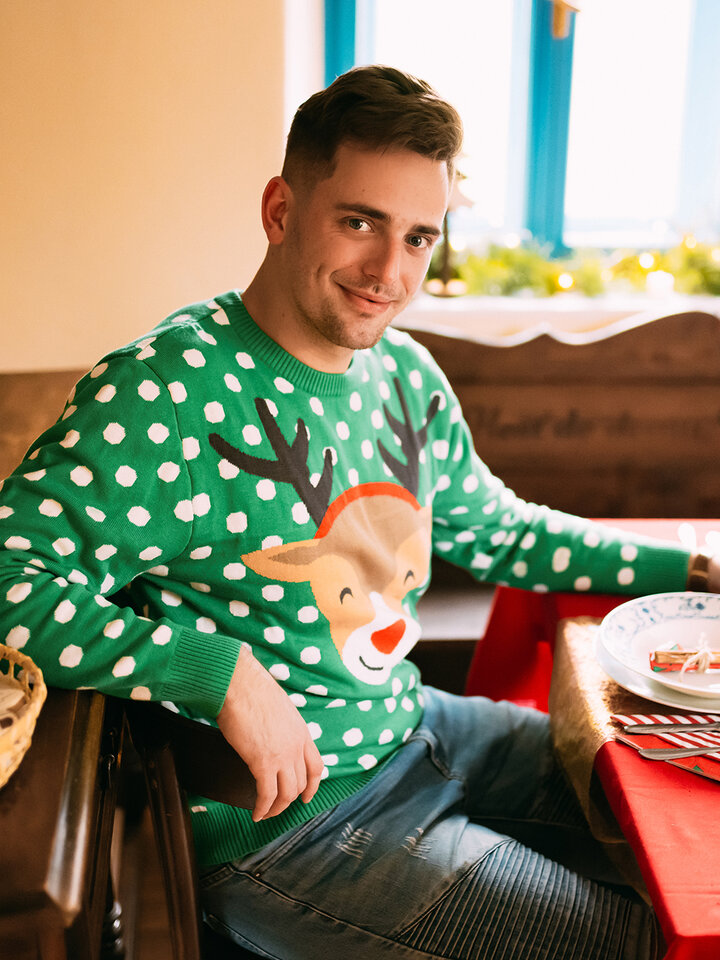 Looking for an original and unusual gift? The gifted person will surely surprise with Christmas Sweater Rudolph