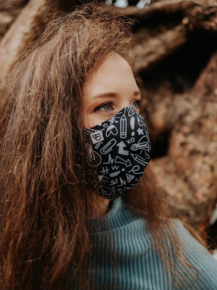 Obrázok produktu Živahna protibakterijska zaščitna maska Čačke - večja velikost