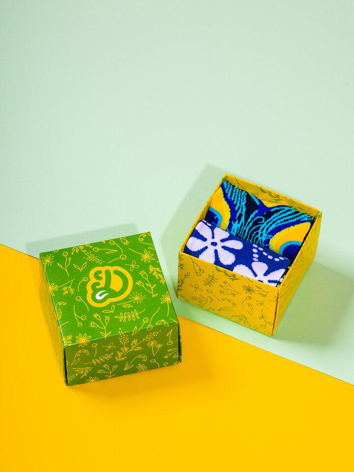 Výprodej Čtvercová dárková krabička Jarní květy