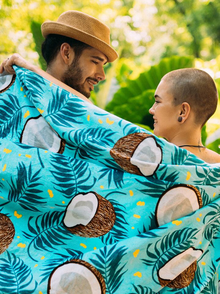 Pre dokonalý a originálny outfit Veseli ručnik za plažu Kokos