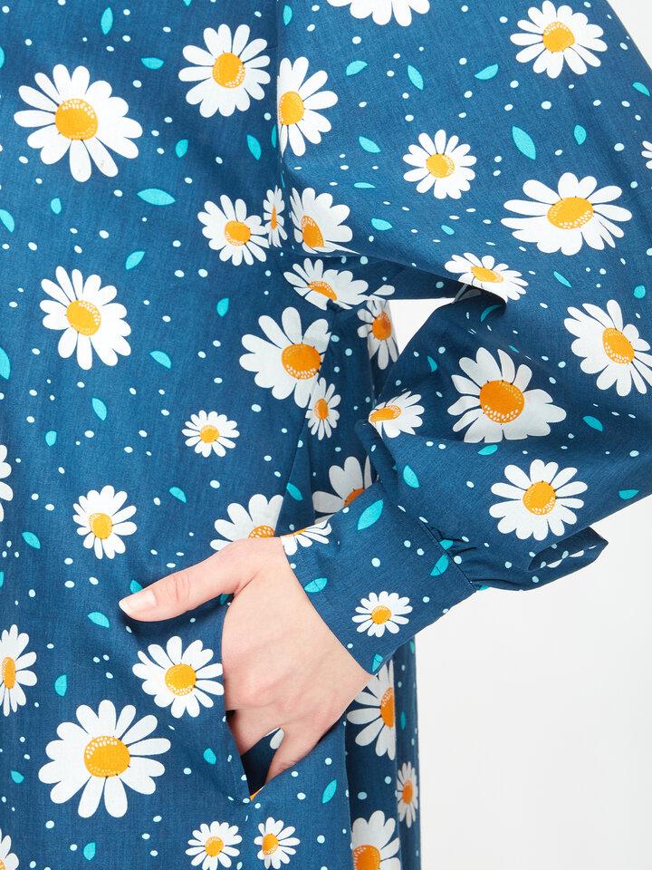 Potešte sa týmto kúskom Dedoles Wesoła sukienka koszulowa Kwitnące stokrotki