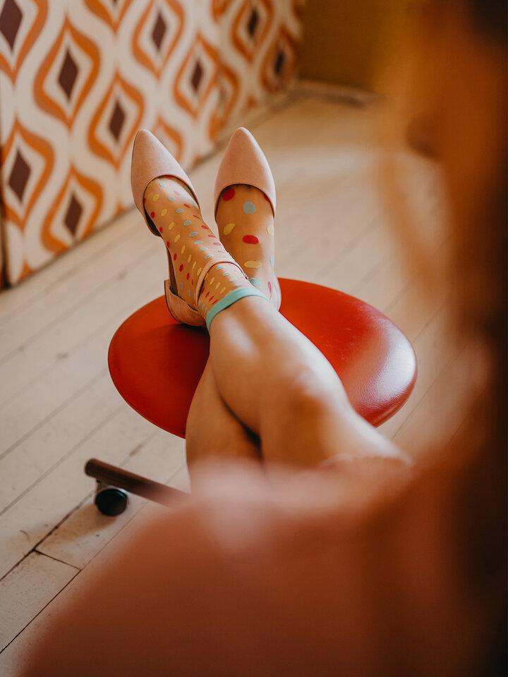 Lifestyle foto Vrolijke nylon sokken Dot World