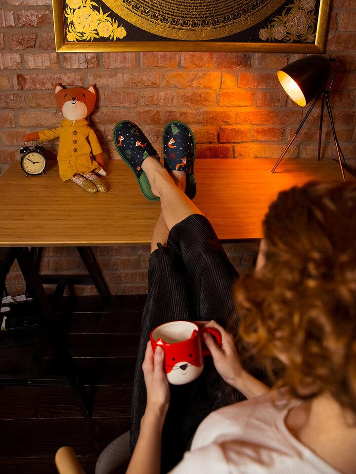 Potešte sa týmto kúskom Dedoles Vesele papuče Crvena lisica