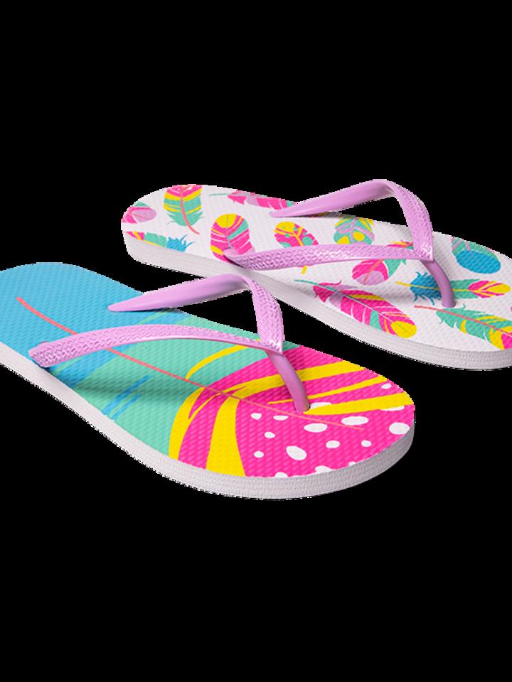 Pre dokonalý a originálny outfit Flip Flops Colourful Feathers
