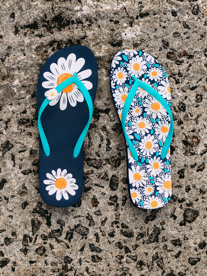 Gift idea Flip Flops with Decoration Charm Daisy Blossom