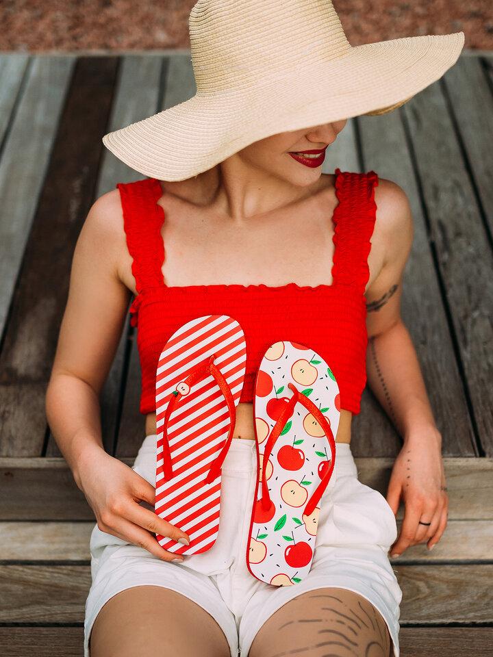 Hľadáte originálny a nezvyčajný darček? Obdarovaného zaručene prekvapí Tongs rigolotes avec décoration Pomme joyeuse