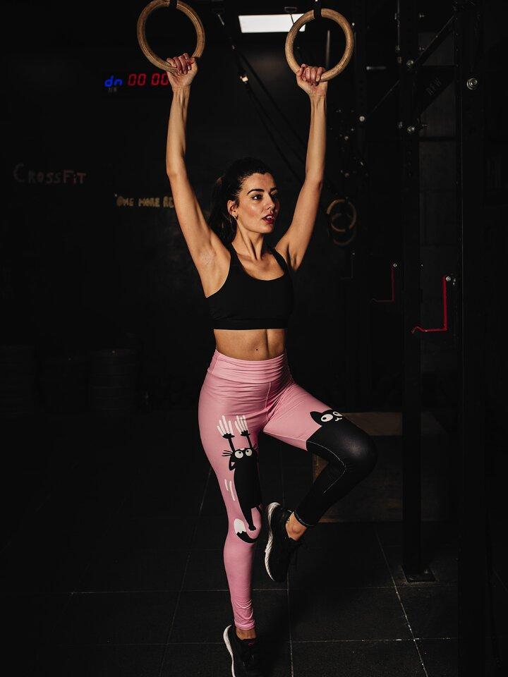 Pre dokonalý a originálny outfit Vrolijke high-waisted leggings Roze kat