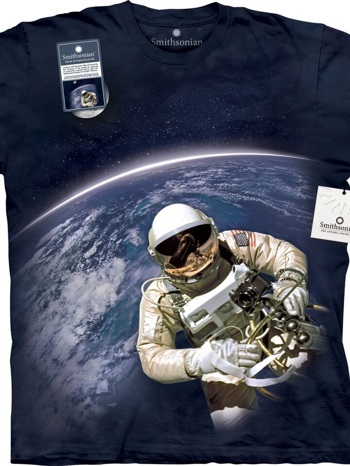 Lifestyle foto First American Space Walk