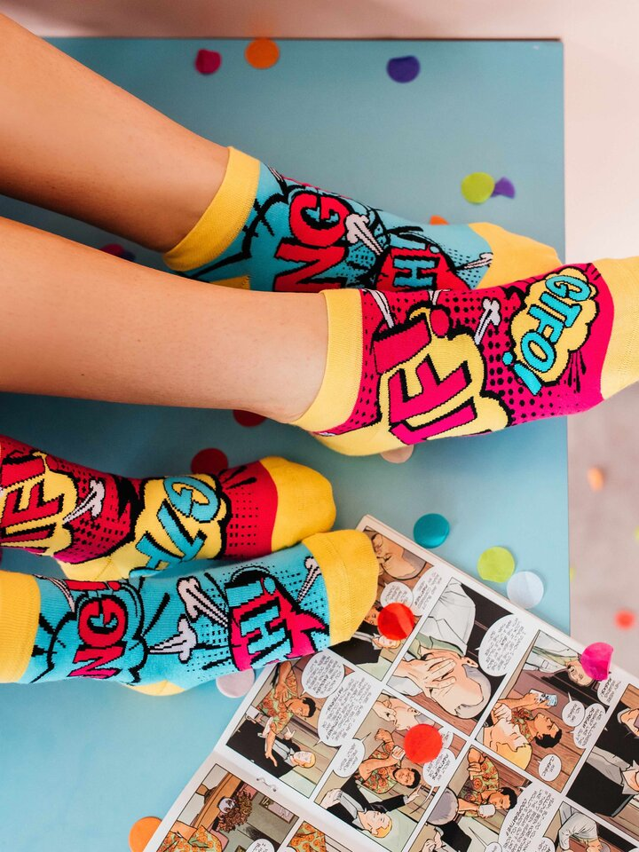 Potešte sa týmto kúskom Dedoles Členkové veselé ponožky Komiks