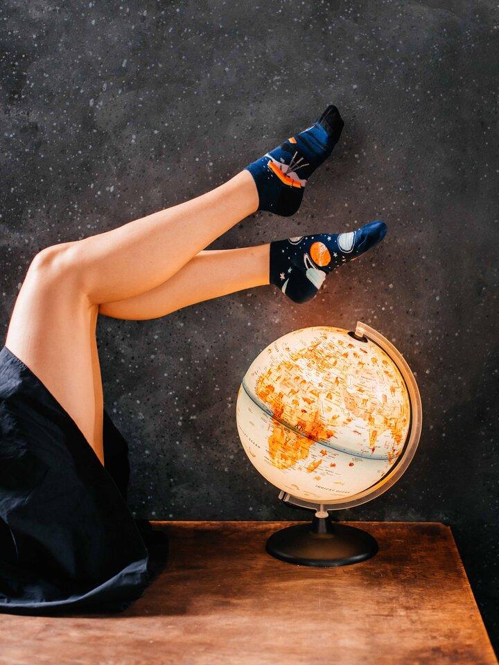 Zľava Členkové veselé ponožky Vesmír