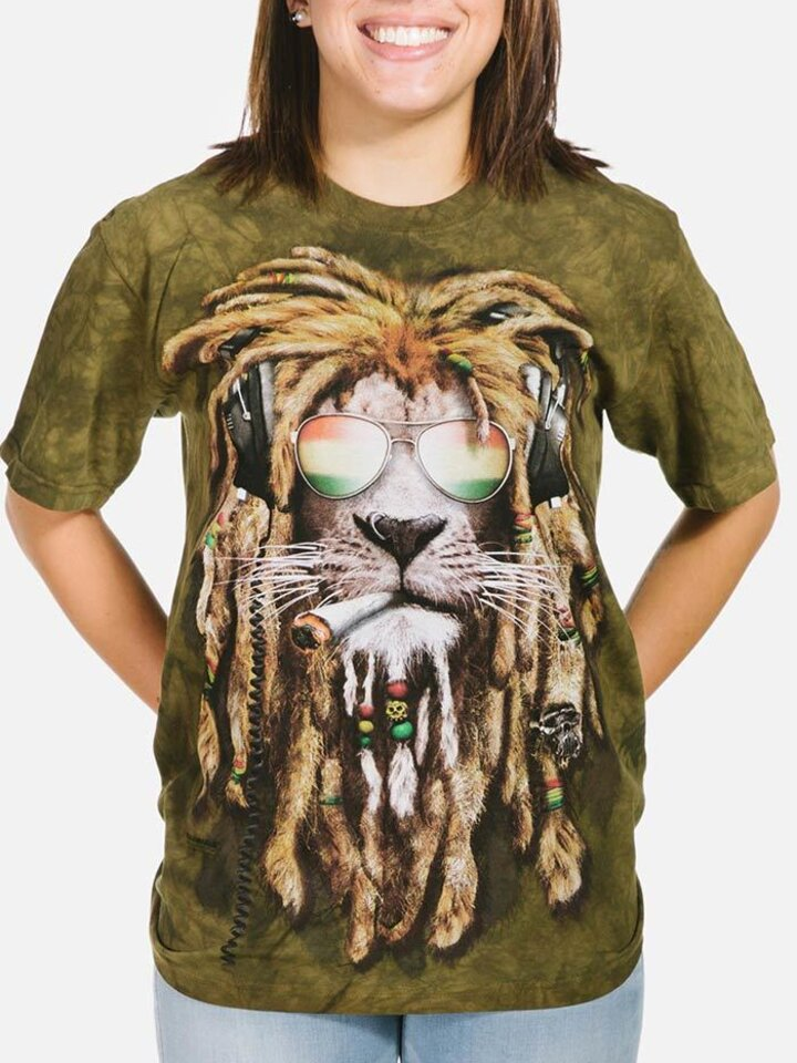 Lifestyle photo T-shirt Lion with Dreadlocks