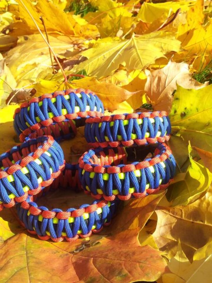 Rabatt Paracord Überleben-Armband mehrfarbig