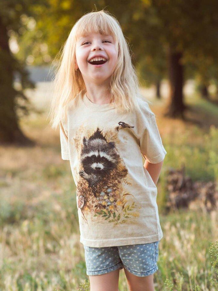Căutați cadou unic și original? Va bucura enorm sărbătoritul Wee Raccoon Child