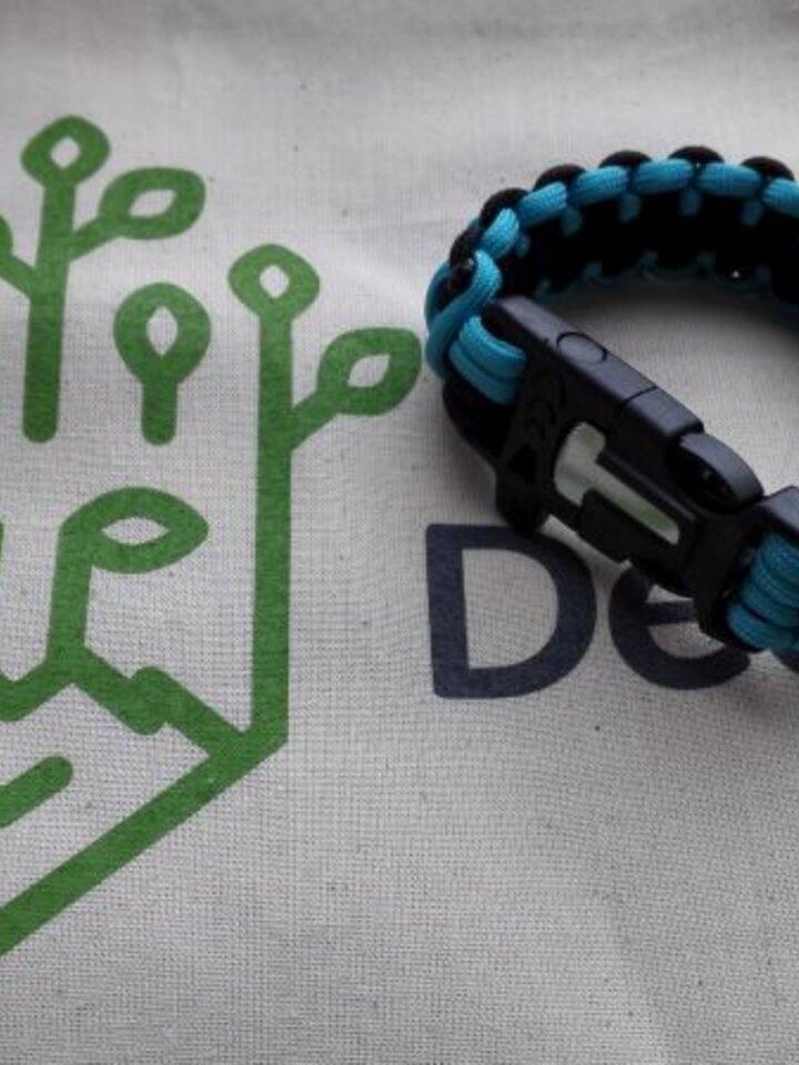 Sale Paracord survival bracelet-blue-black with magnéziovým Flint