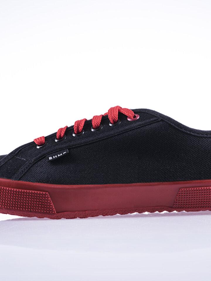 Foto Červeno-černé tenisky