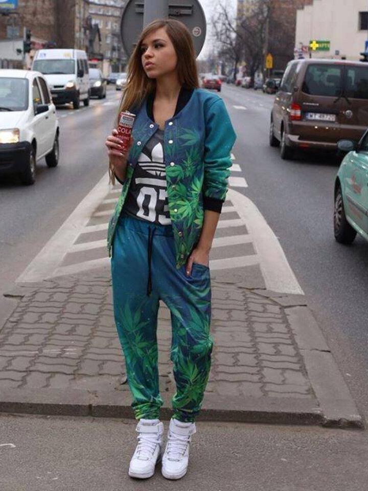 Foto Unique Aladdin Sweatpants Mary Jane