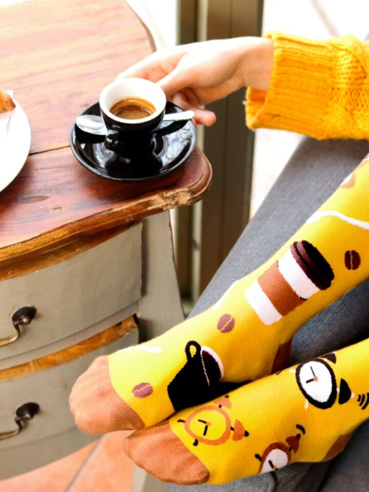 Looking for an original and unusual gift? The gifted person will surely surprise with Regular Socks Coffee Time