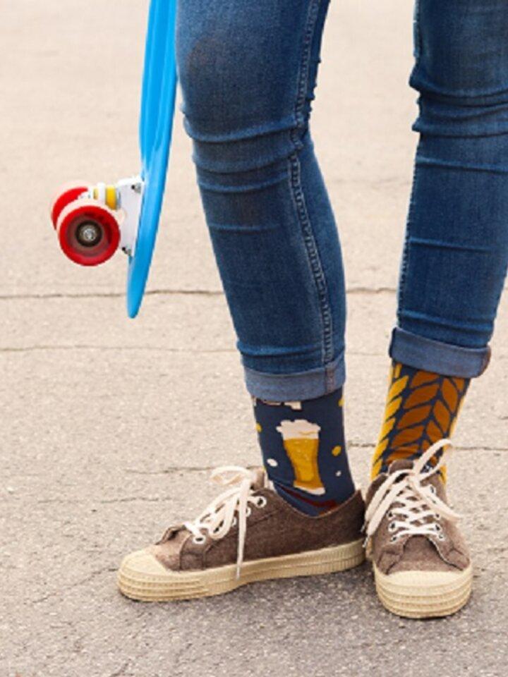 für ein vollkommenes und originelles Outfit Lustige Socken Zeit für ein Bier