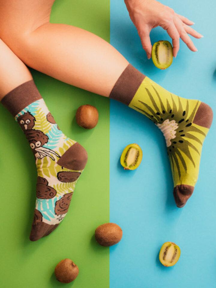 Potešte sa týmto kúskom Dedoles Regular Socks Kiwi