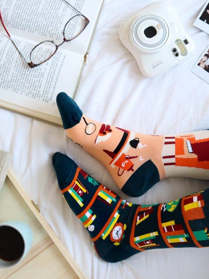 Pre dokonalý a originálny outfit Vrolijke sokken Bibliotheek