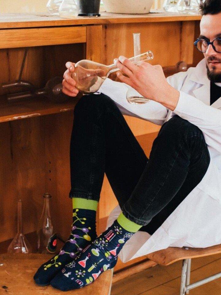 Tip na darček Vesele nogavice Kemija