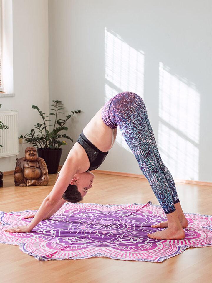Faceți-vă o bucurie cu acest produs Dedoles Colanţi sport elastici  de damă Mozaic