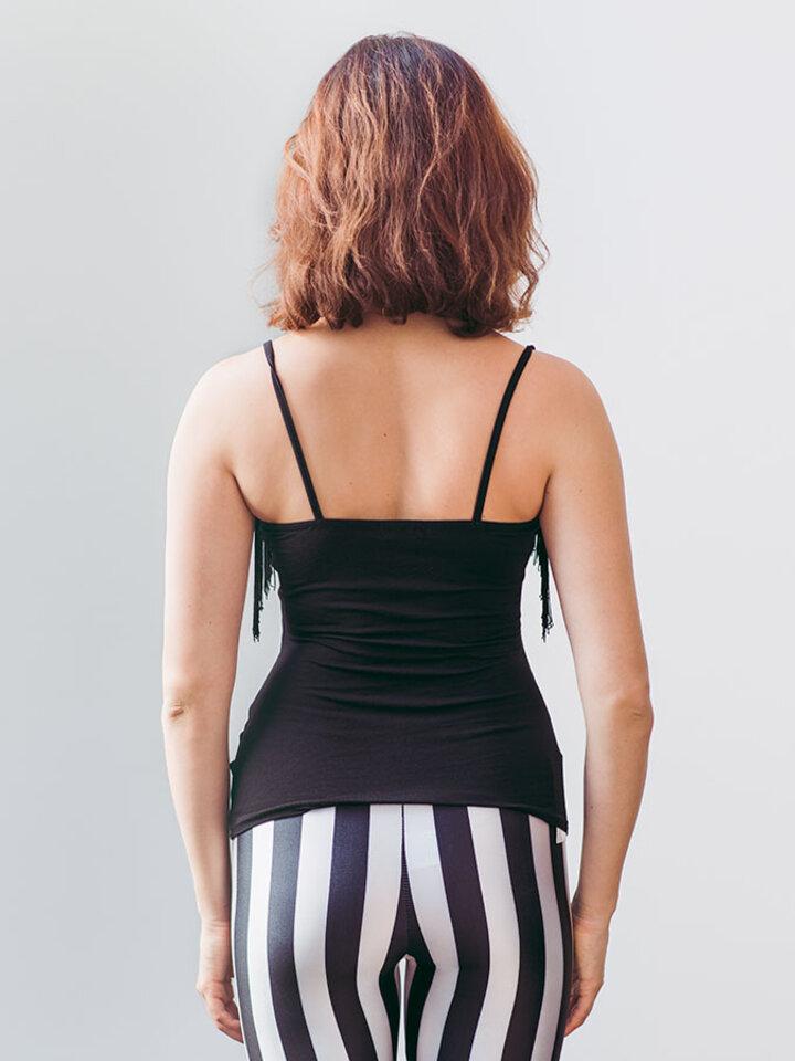 Hľadáte originálny a nezvyčajný darček? Obdarovaného zaručene prekvapí Ladies' Tank Top with Fringe and Design Black