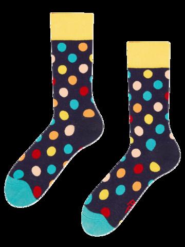 Pre dokonalý a originálny outfit Весели чорапи Цветни точки
