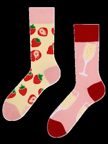 Pre dokonalý a originálny outfit Regular Socks Champagne & Strawberry