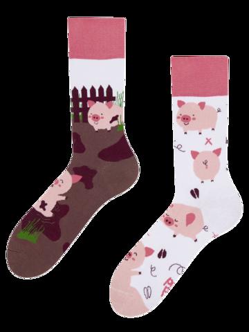 Pre dokonalý a originálny outfit Весели чорапи Щастливи прасета