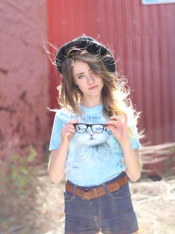 Zdjęcie lifestyle Blue Eyed Kitten Adult