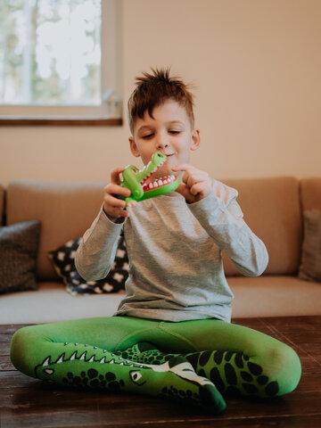 Pre dokonalý a originálny outfit Весел детски чорапогащник Крокодил