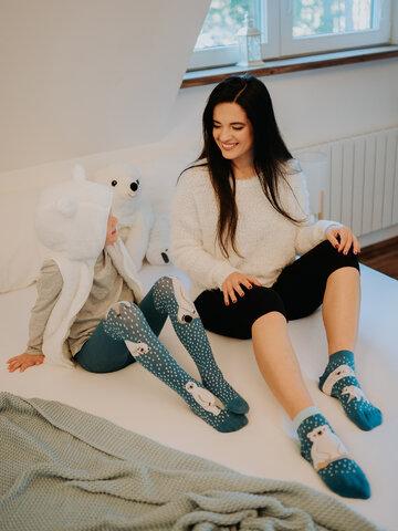 Potešte sa týmto kúskom Dedoles Živahne otroške hlačne nogavice Polarni medvedi
