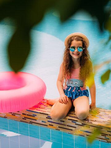 Lifestyle foto Veselé dievčenské plavky Medúza