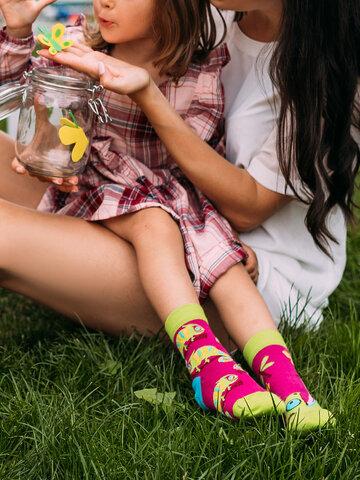 Pre dokonalý a originálny outfit Veselé detské ponožky Chameleón