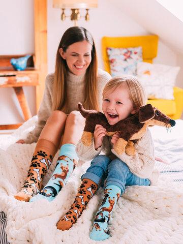 Căutați cadou unic și original? Va bucura enorm sărbătoritul Șosete Vesele pentru Copii Teckel