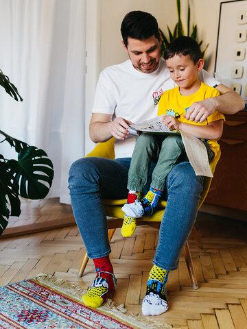 Pre dokonalý a originálny outfit Calcetines infantiles alegres Cómics de colores