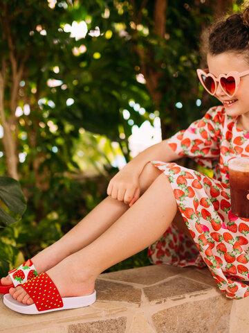 Potešte sa týmto kúskom Dedoles Kids' Slides Strawberries
