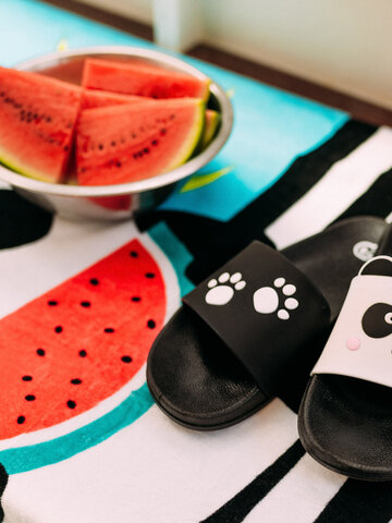 Pre dokonalý a originálny outfit Veselé detské šľapky Labky pandy