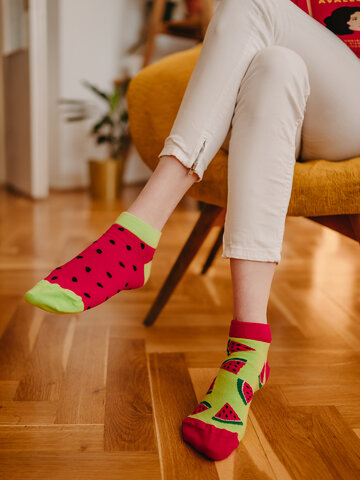 Hledáte originální a neobvyklý dárek? Obdarovaného zaručeně překvapí Veselé kotníkové  ponožky Červený meloun
