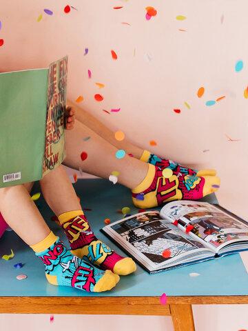 Lifestyle foto Živahne kratke nogavice Stripi