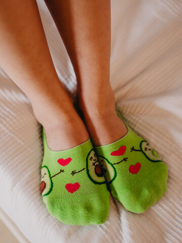 Looking for an original and unusual gift? The gifted person will surely surprise with No Show Socks Avocado Love