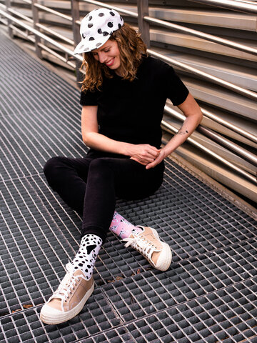 Căutați cadou unic și original? Va bucura enorm sărbătoritul Șosete Vesele din Bumbac Reciclat Dalmațieni Roz