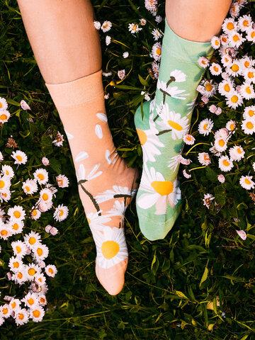 Potešte sa týmto kúskom Dedoles Bamboo Regular Socks Daisy