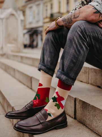 Hľadáte originálny a nezvyčajný darček? Obdarovaného zaručene prekvapí Veselé ponožky Čas na víno