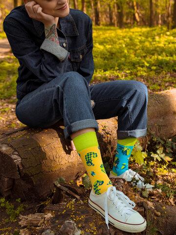 Lifestyle foto Veselé ponožky Chameleon a hmyz