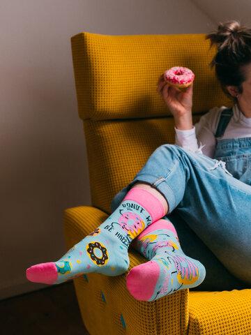 für ein vollkommenes und originelles Outfit Lustige Socken Donuts