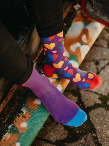 Rabatt Lustige Socken Regenbogenherzen