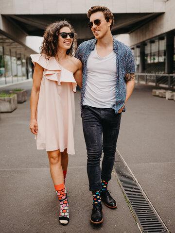 Lifestyle foto Весели чорапи Цветни точки