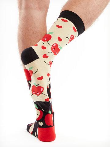 Hľadáte originálny a nezvyčajný darček? Obdarovaného zaručene prekvapí Veselé ponožky Jablká
